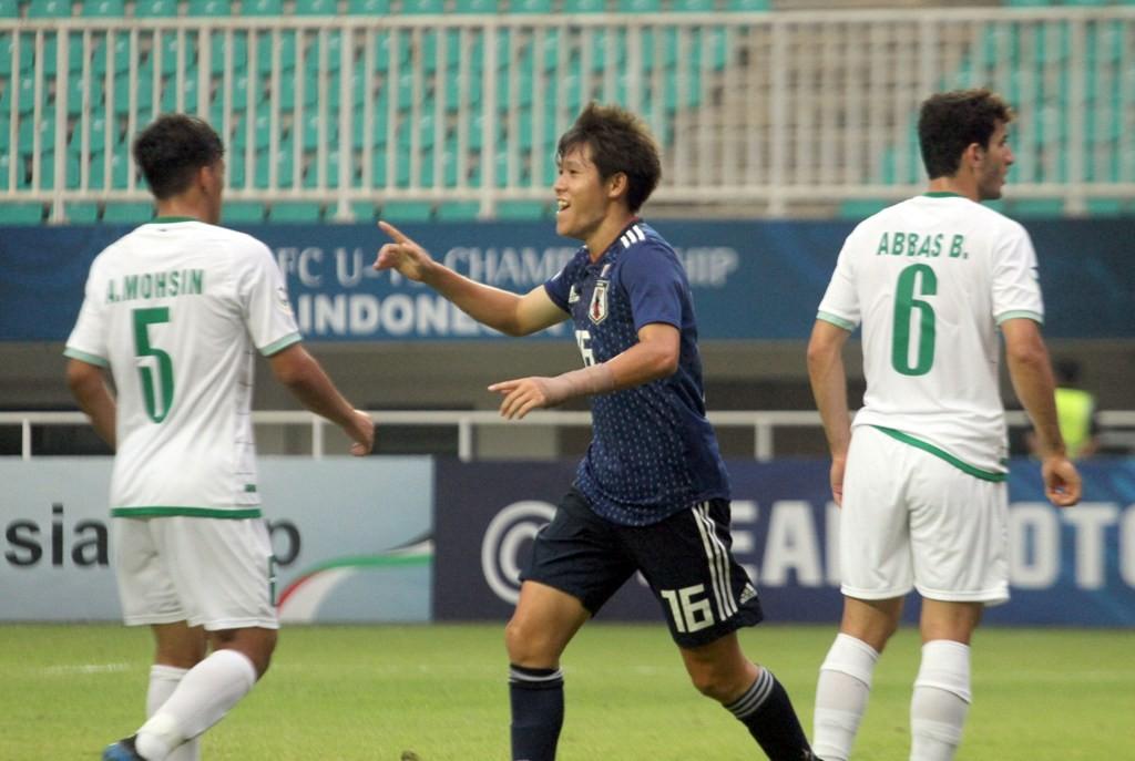 Pemain Timnas Jepang U-19, Yuta Taki merayakan gol ke gawang Irak. Jepang menang telak 5-0 atas Irak dan memastikan diri lolos sebagai juara Grup B Piala Asia U-19 (Foto: ANTARA FOTO/Yulius Satria Wijaya)