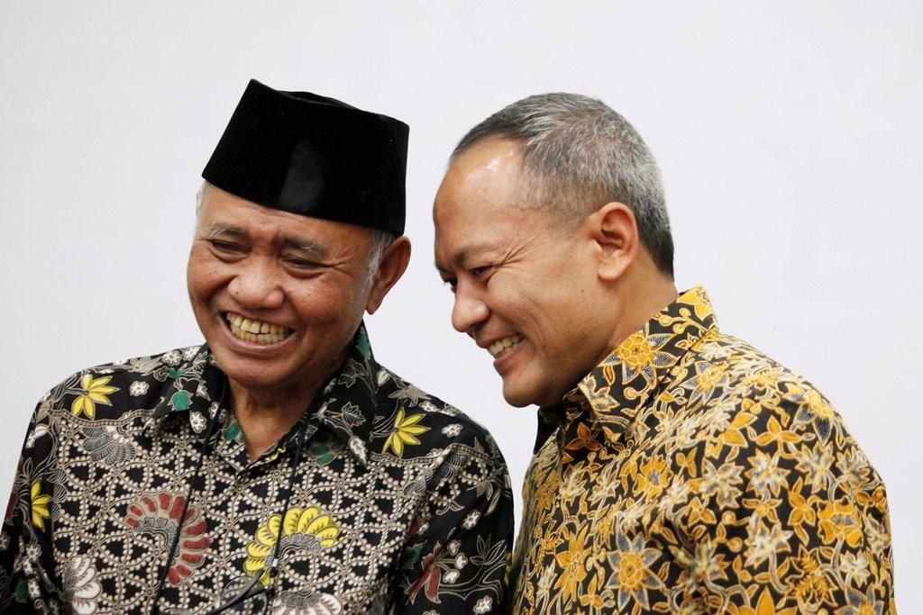 Ketua KPK Agus Rahardjo (kiri) berbincang bersama Kabareskrim Polri Komjen Arief Sulistyanto seusai pelantikan di Gedung KPK, Jakarta, Kamis (20/9). MI/Rommy Pujianto.