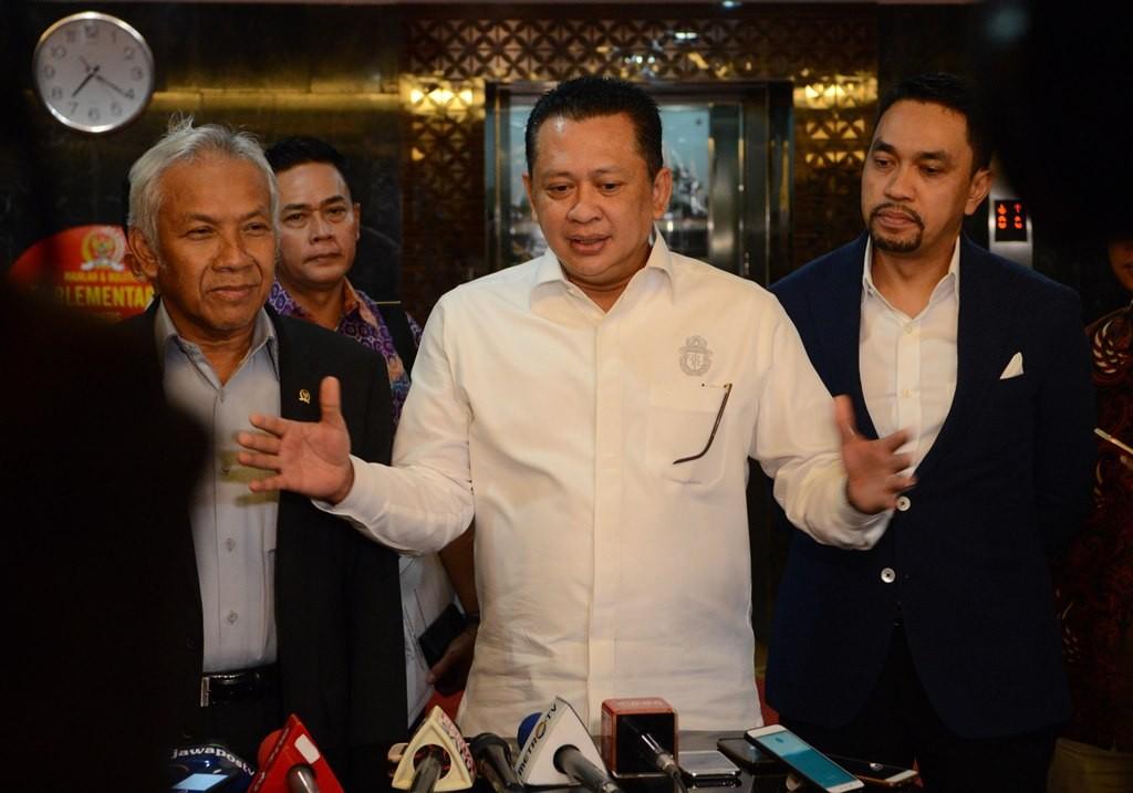 Ketua DPR Bambang Soesatyo (tengah). MI/M Irfan.