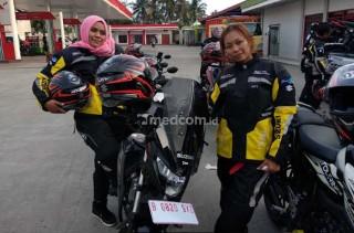 Dua Lady Biker Ini Tuntaskan Turing Surabaya-Bandung