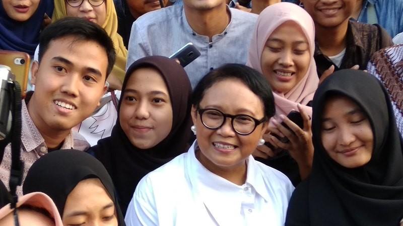 Menlu Retno Marsudi di tengah-tengah mahasiswa di Yogyakarta dalam acara Diplomatic Festival 2018. (Foto: Ahmad Mustaqim/Medcom.id).