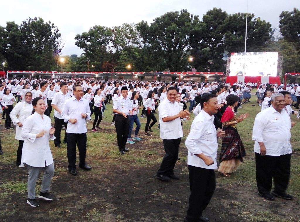 Menko PMK Puan Maharani resmi membuka Pekan Kerja Nyata Revolusi Mental (PKNRM) 2018 di Manado (Foto:Medcom.id/Anggi Tondi Martaon)