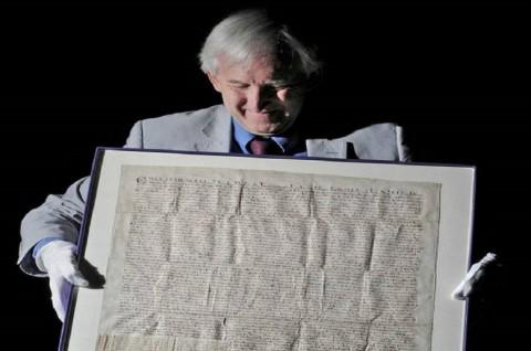 Coba Curi Piagam Magna Carta, Pria Ditangkap