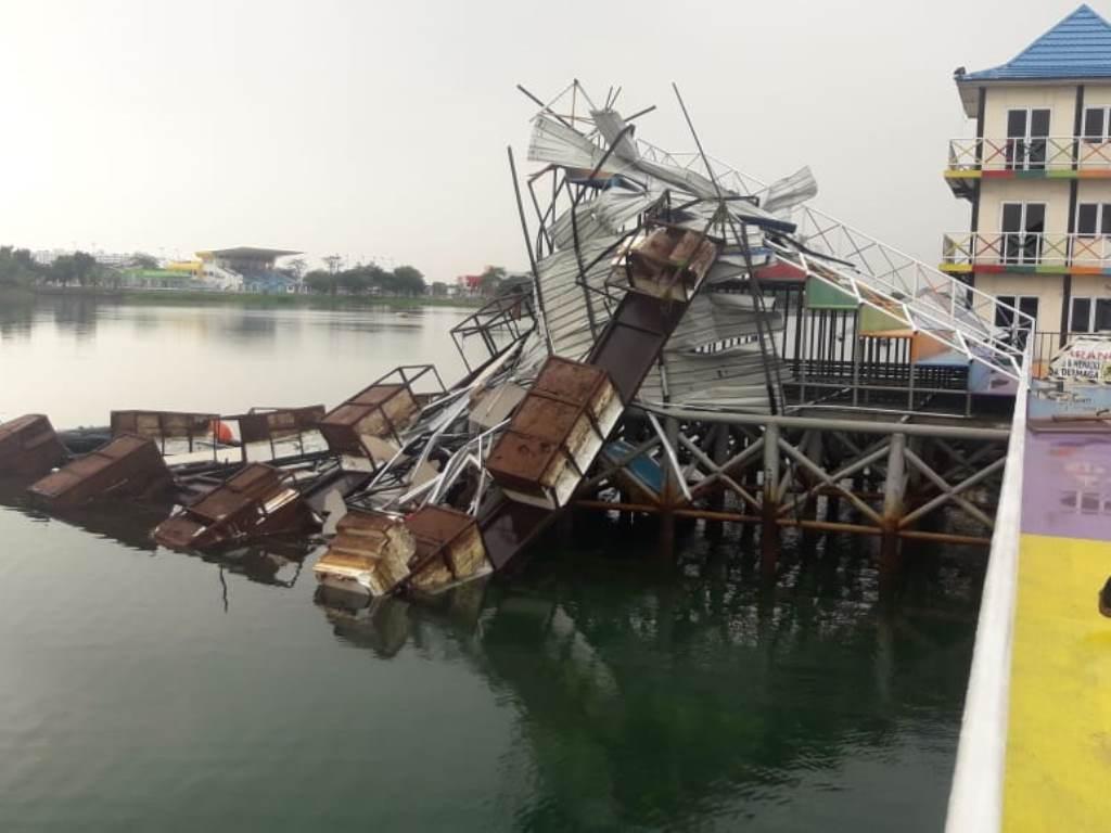 Beberapa fasilitas di Jakabaring Sport City rusak akibat hujan deras dan angin kencang. Foto: Dokumen Istimewa.