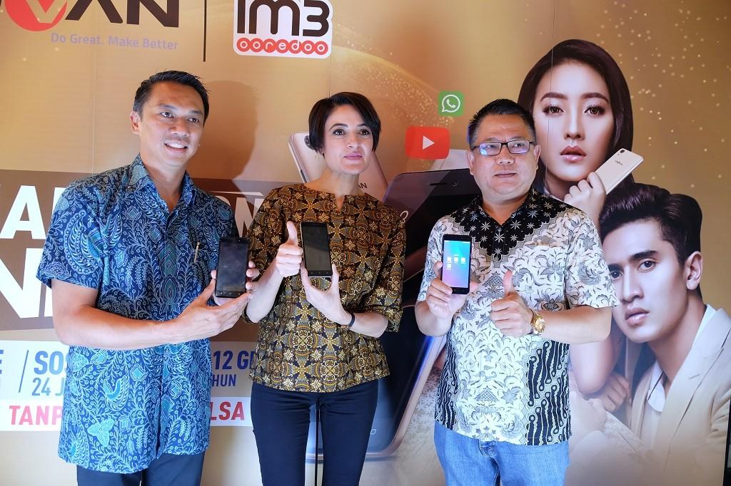 Indosat dan Advan bekerja sama untuk menyediakan paket bundling.