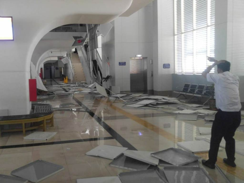 Kondisi Stasiun LRT DJKA yang mengalami kerusakan akibat angin kencang. Foto Istimewa.