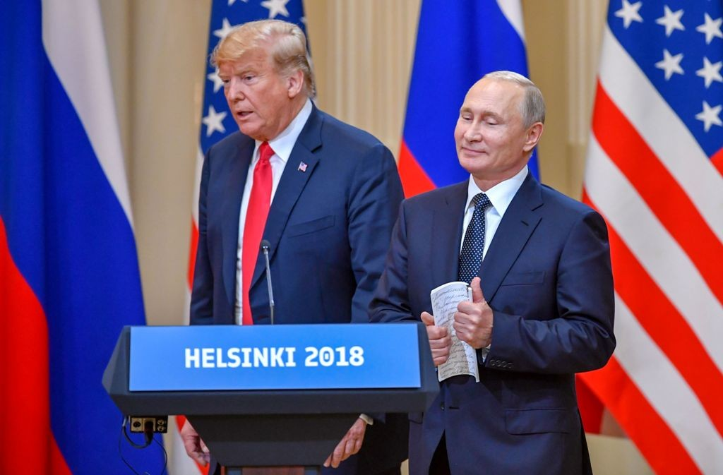 Presiden AS Donald Trump dan Presiden Rusia Vladimir Putin saat bertemu di Finlandia, Juli 2018. (Foto: AFP)