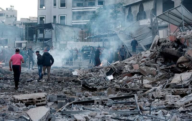 Kehancuran tampak usai serangan udara Israel ke wilayah Gaza pada 27 Oktober 2018. (Foto: AFP).