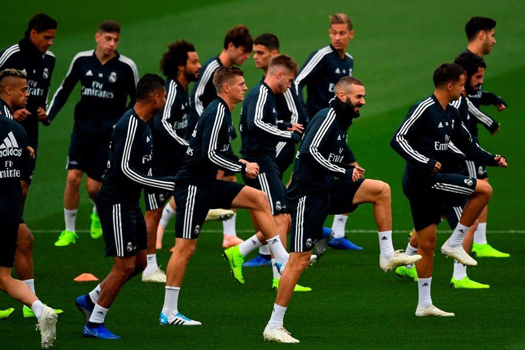 Para pemain Real Madrid menggelar latihan jelang kontra Barcelona (Foto:AFP/GABRIEL BOUYS