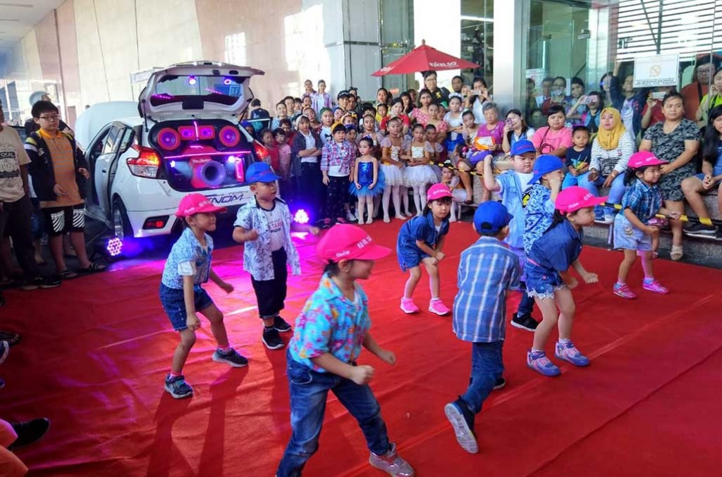 Kontes audio mobil ala CAN dan Z3RO, kini lebih menarik karena disinergikan dengan kompetisi tari/dansa. Pekik