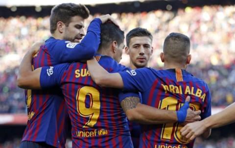 Suarez Bersinar, Barcelona Hancurkan Madrid