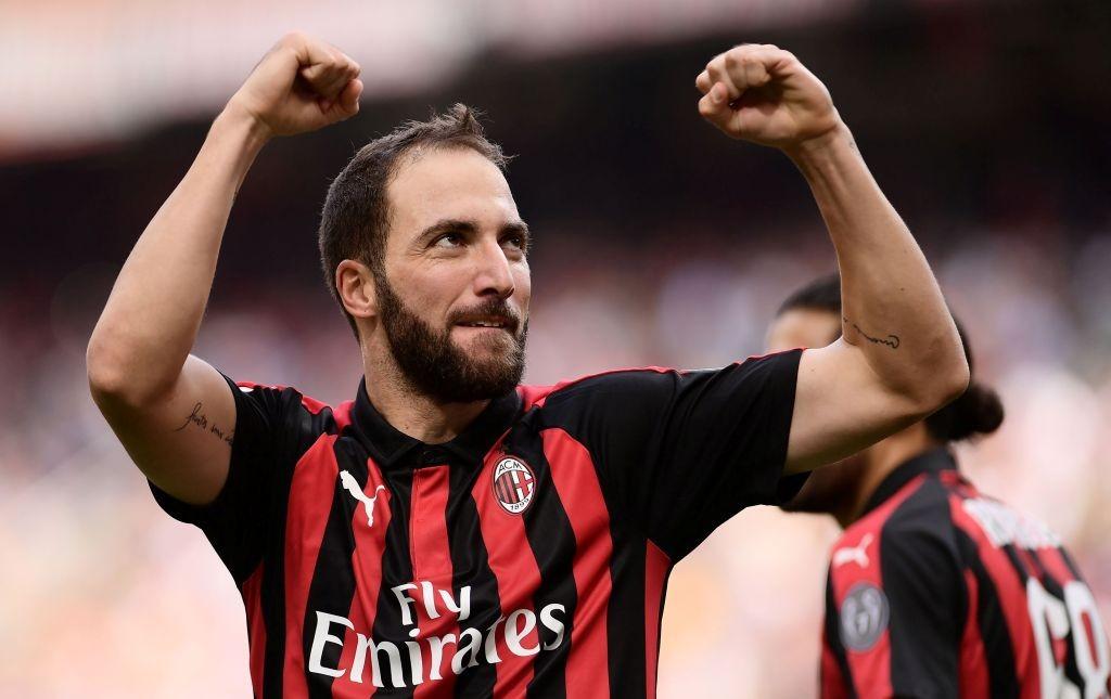 Gonzalo Higuain menyumbang gol untuk AC Milan saat menghadapi Sampdoria (Foto: AFP/Marco Bertorello)
