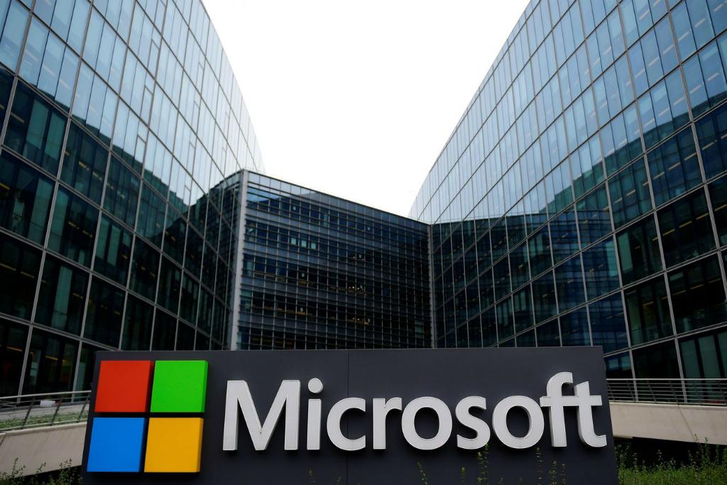 Microsoft mengumumkan pencapaiannya sebagai perusahaan paling berharga kedua di Amerika Serikat.
