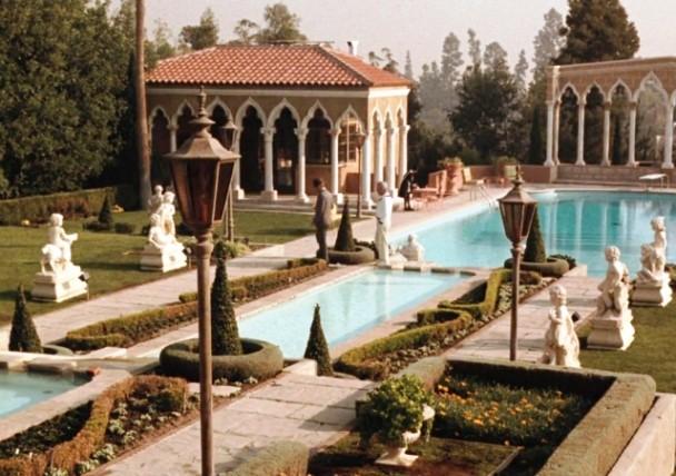 Rumah bergaya mediterian menjadi lokasi utama pembuatan film The Godfather yang legendaris. all pictures: Paramount Pictures