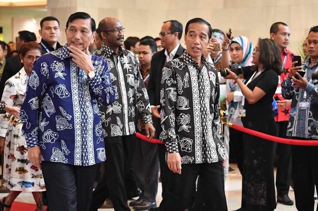 Presiden Jokow (kanan) dan Menteri Luhut dalam OOC 2018 di Nusa Dua, Bali, 29-30 Oktober 2018. (Foto: ANTARA FOTO/media OOC 2018/Prasetia Fauzani/nym)