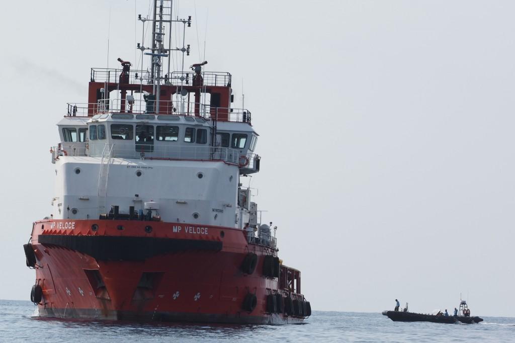 Sejumlah kapal dari tim gabungan TNI dan SAR melakukan pencarian pesawat Lion Air JT 610 di perairan Karawang, Jawa Barat, Senin (29/10/2018). Foto: Antara/Arif Ariadi