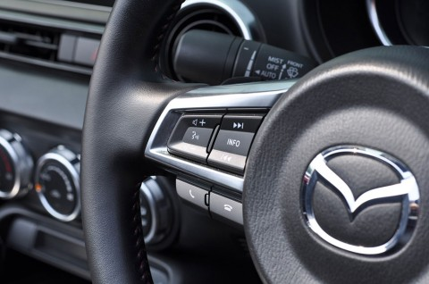 <i>Airbag</i> Bermasalah, Mazda <i>Recall</i> 156 Ribu Mobil