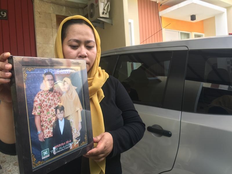 Vini Wulandari (36), adik korban Co Pilot Harvino di Perumahan Serpong Green Park 2, Tangerang Selatan. Medcom.id/Farhan Dwitama