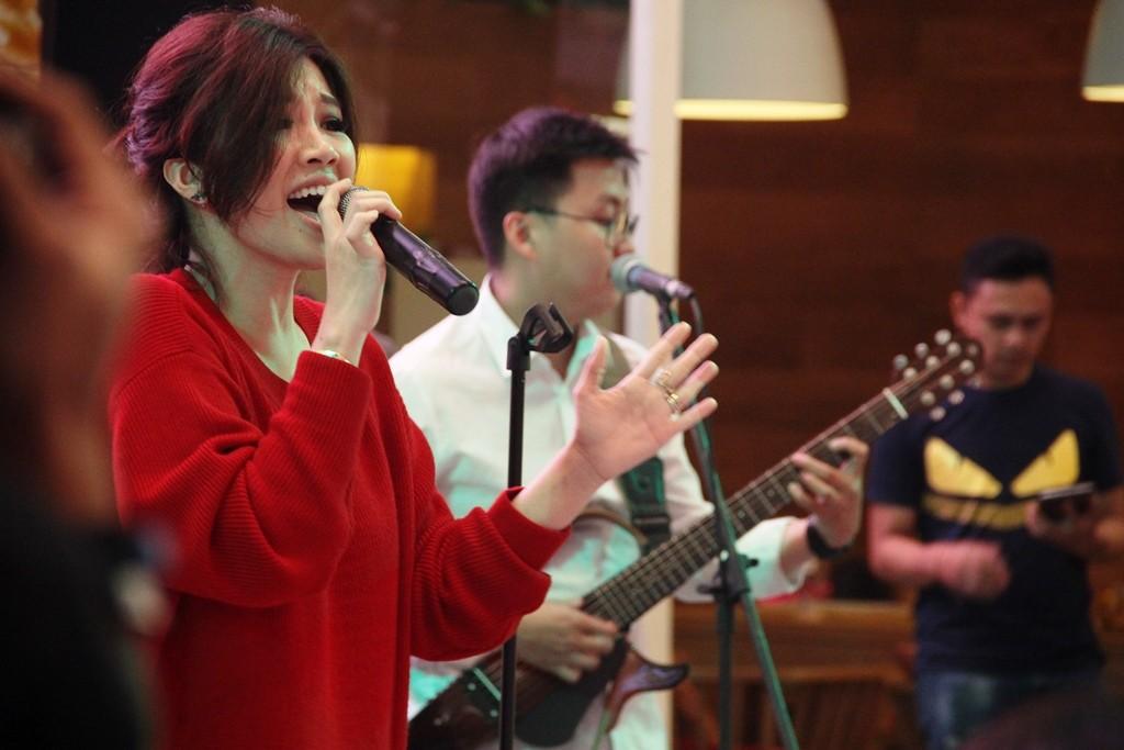 Love is in The Air Concert diselenggarakan di La Moda Plaza Indonesia, Jakarta, pada Sabtu, 27 Oktober 2018 (Foto:Dok.Cosmopolitan FM)