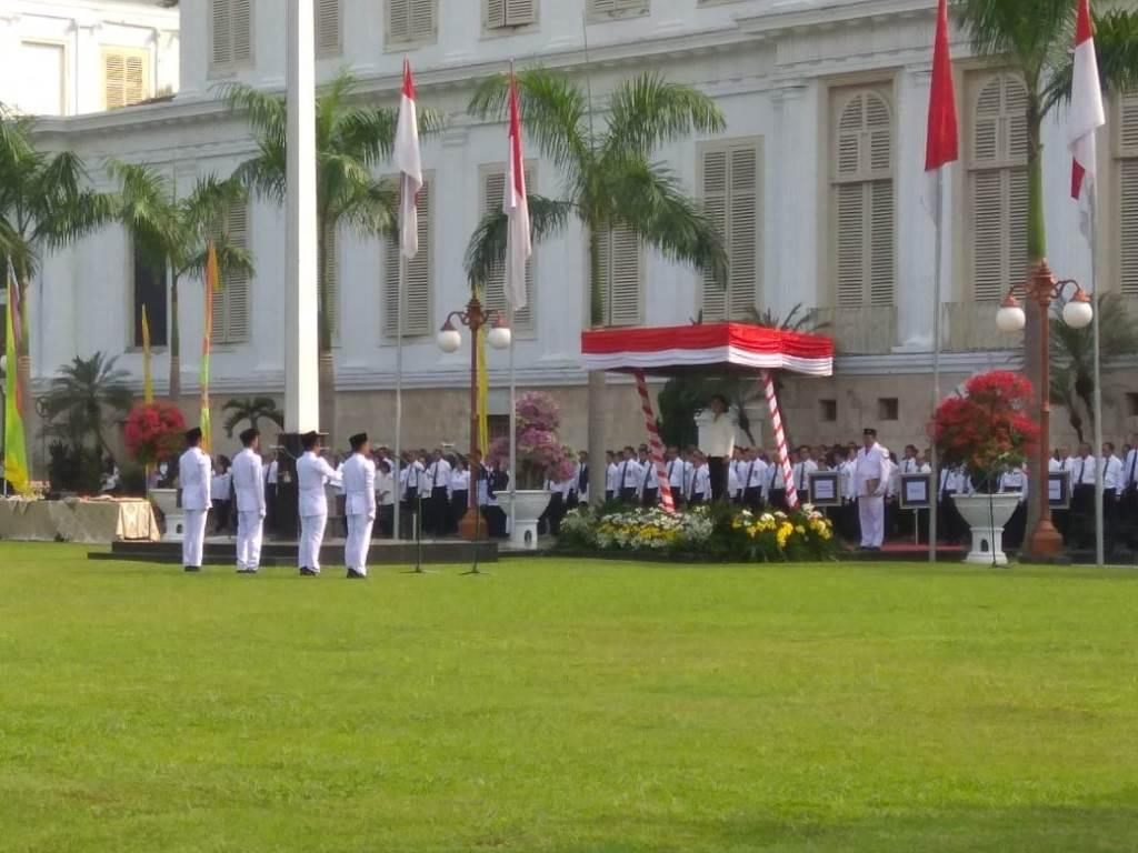 Pegawai Kemenkeu saat melakukan upacara memperingati Hari Oeang. (FOTO: dok Kemenkeu)