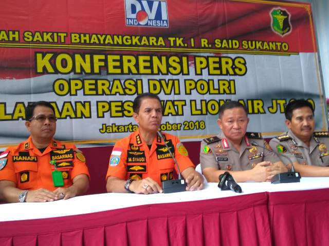 Suasana konferensi pers terkait identivikasi korban kecelakaan pesawat Lion Air JT610. Foto: Medcom.id/Damar Iradat..