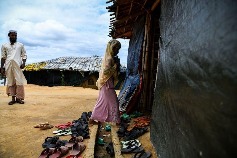 Pengungsi Rohingya yang bertahan di Cox's Bazar, Bangladesh. (Foto: AFP).