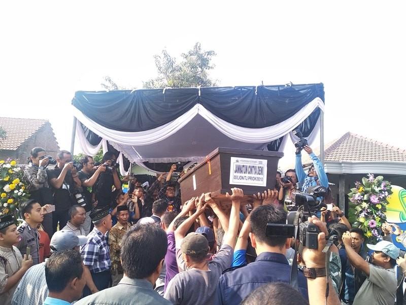 Jenazah Jannatun Cintia Dewi dimakamkan di tempat pemakaman umum yang tidak jauh dari tempat tinggalnya, Desa Suruh, Kecamatan Sukodono, Sidoarjo, Jawa Timur, Kamis, 1 November 2018. Medcom.id/ Syaikhul Hadi.