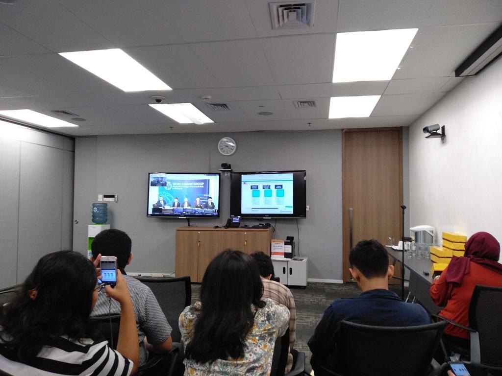 Suasana teleconference Bank Dunia mengenai kemudahan berusaha (Foto: Medcom.iid/Desi Angriani)