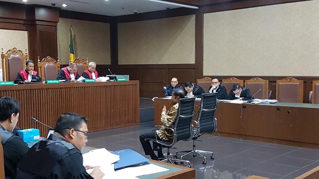 Mantan Menteri Sosial Idrus Marham saat bersaksi di Pengadilan Tipikor - Medcom.id/Damar Iradat.