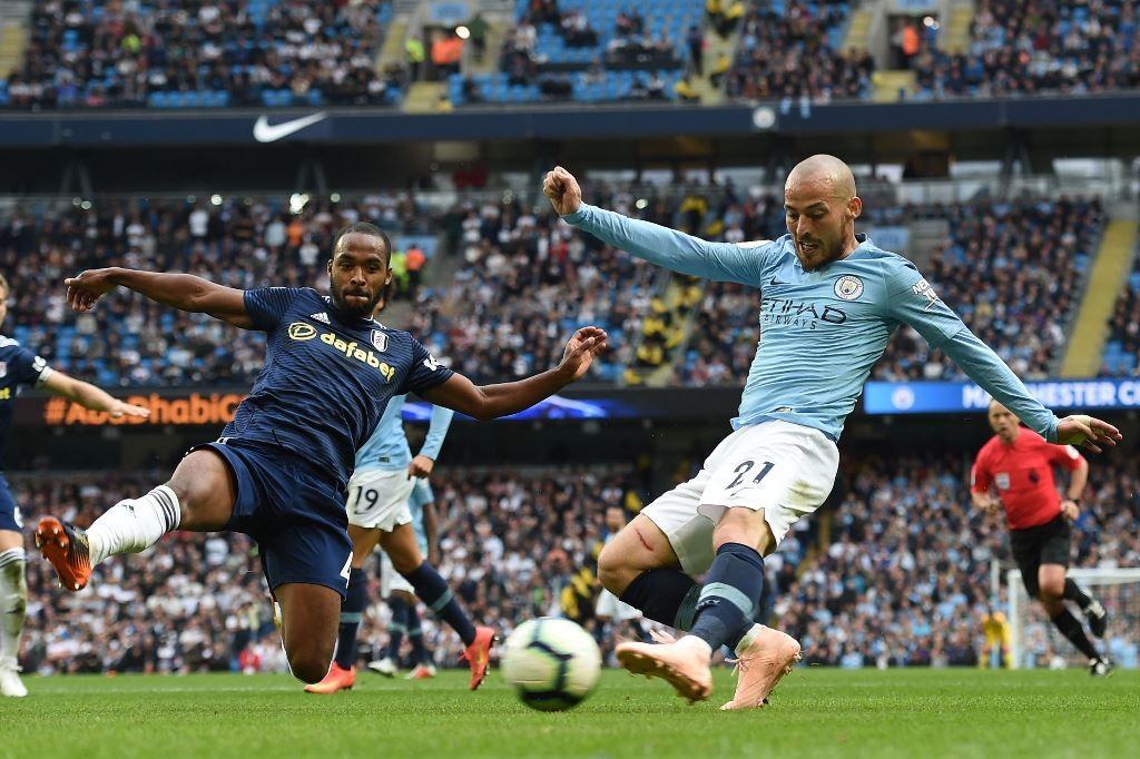 Suasana pertandingan Man City vs Fulham. (Foto: AFP/Paul Ellis)