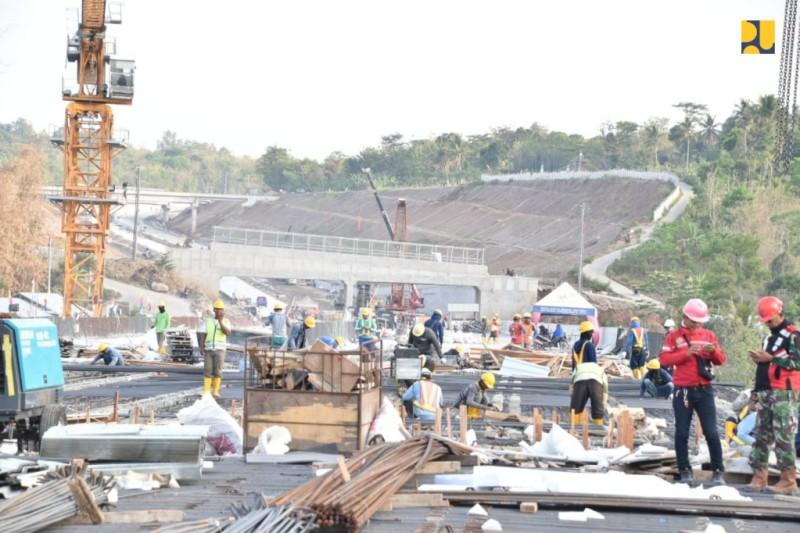 Progres pembangunan Tol Progres pembangunan ruas tol Salatiga-Kartasura. Istimewa