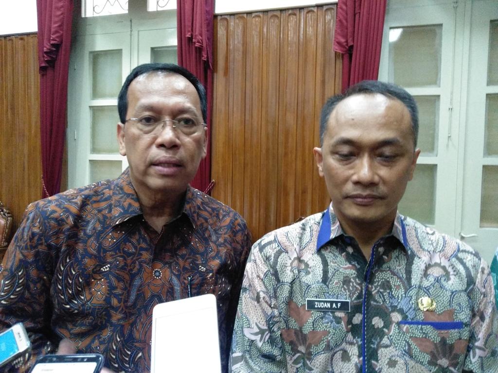 Direktur Jenderal Pajak Robert Pakpahan (kiri). (FOTO: Medcom.id/Desi Angriani)