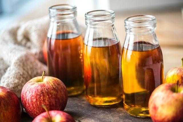 Apakah cuka sari apel aman dikonsumsi oleh wanita yang sedang menyusui? Simak informasinya berikut ini. (Foto: Rawpixel.com/Unsplash.com)