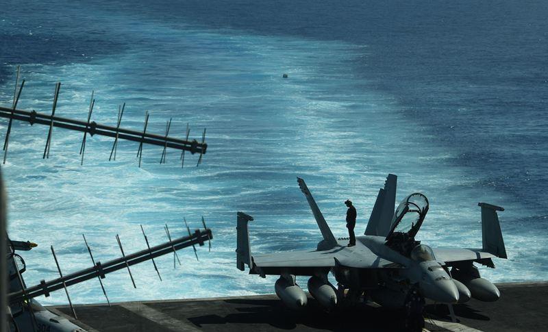 Sebuah kapal induk milik Angkatan Laut AS di Laut China Selatan, yang bagi Tiongkok kehadirannya bisa memicu konflik kawasan. (Foto: AFP).