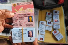 Kepala Dispendukcapil Jember Ditangkap Tim Saber Pungli