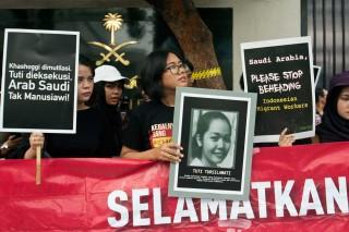 Protes Eksekusi Mati Tuti, Aktivis Geruduk Kedubes Saudi