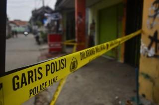 Tiga Polisi Dikeroyok saat Periksa Toko Obat