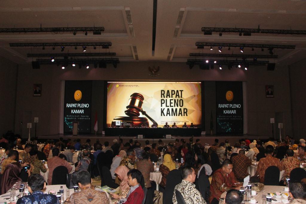 Suasana rapat pleno kamar Mahkamah Agung RI di Bandung. Dok.Mahkamah Agung.