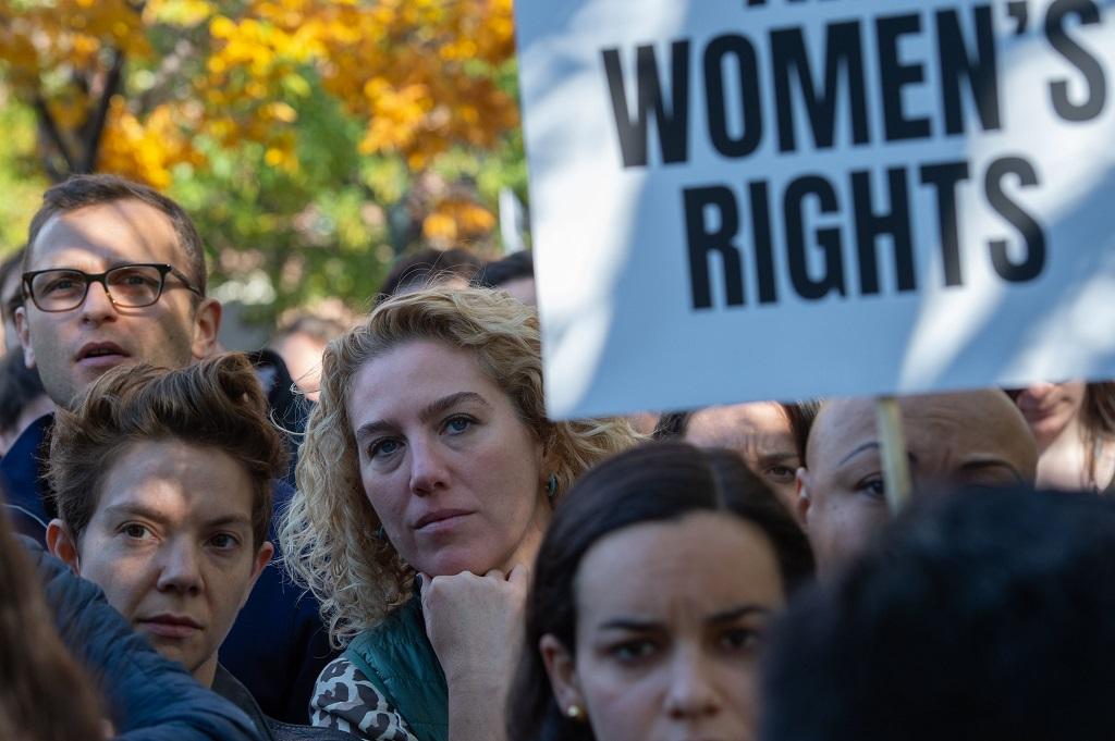 Banyak pegawai Google yang ikut dalam aksi mogok. (Photo by Bryan R. Smith / AFP)