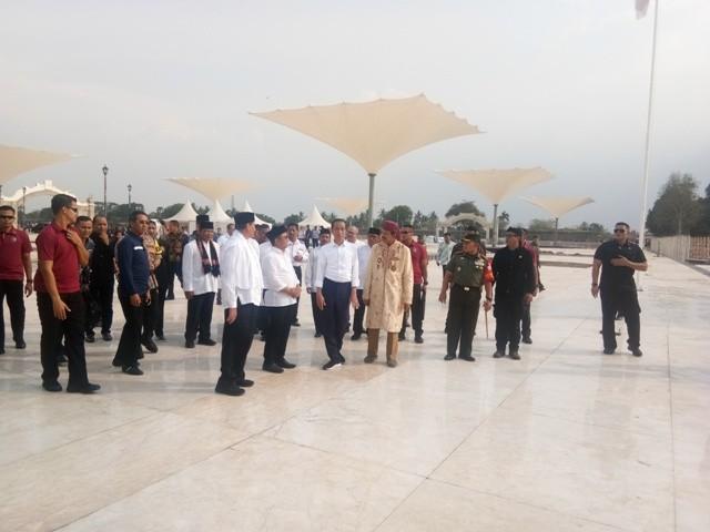 Presiden Jokowi di Kesultanan Banten/Medcom.id/Fikar