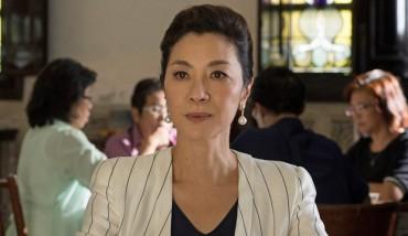 Michelle Yeoh Diprediksi Mendapat Piala Oscar Berkat Crazy Rich Asians
