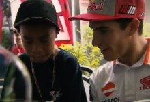 Ketika Bocah Indonesia Bertemu Marc Marquez di Malaysia