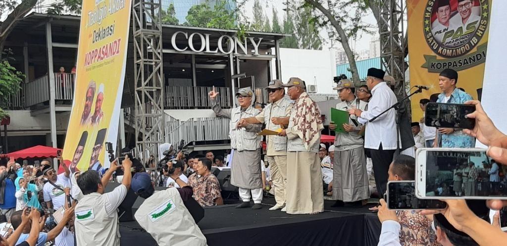 Capres Prabowo Subianto di deklarasi Komando Ulama Pemenangan Prabowo Sandi (Koppasandi) di GOR Soemantri Brodjonegoro, Jakarta Selatan. Foto: Medcom.id/Whisnu Mardiansyah.