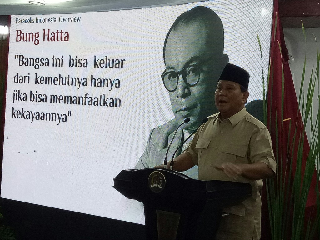 Ketum Gerindra Prabowo Subianto di kediaman Ketum PAN Zulkifli Hasan. Foto: Medcom.id/Arga Sumantri.