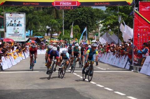 Pembalap Indonesia Dominasi Etape 1 Tour de Singkarak