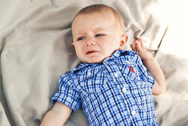 Dokter anak Andy Bernstein mengatakan, nyeri akibat tumbuh gigi pada bayi lebih sering terjadi di malam hari. (Foto: Shelbey Miller/Unsplash.com)