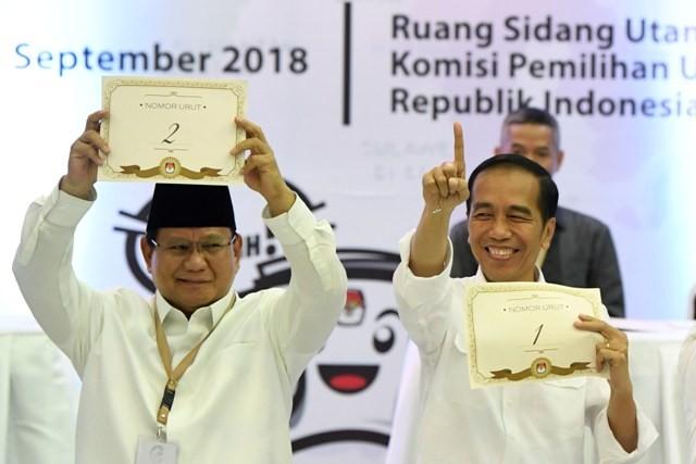 Calon Presiden Joko Widodo (kanan) dan Prabowo Subianto (kiri). Foto: Antara/Puspa.
