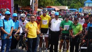 Keindahan Danau Singkarak Hiasi Etape 3 TdS 2018