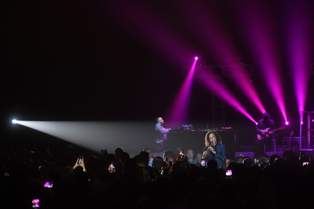 Kemeriahan Konser Kenny G di Jakarta