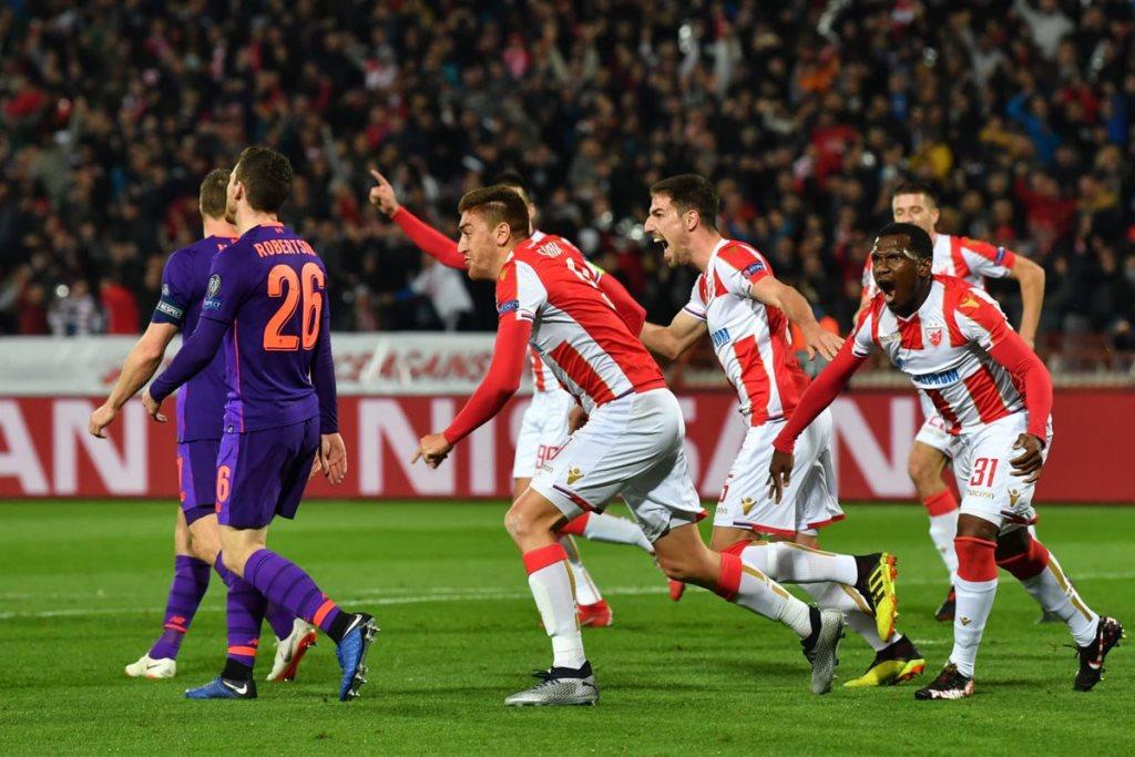 Skuat Crvena Zvezda merayakan gol kemenangan (Foto Twitter Crvena Zvezda)